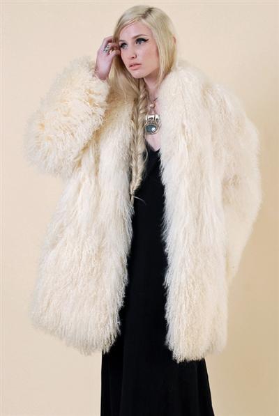 ashildurmongolianvintagecoat-2T