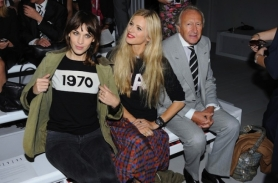 Alexa-Chung-wearing-Bella-Freud-1970-Intarsia-Wool-Sweater-at-London-Fashion-Week-4